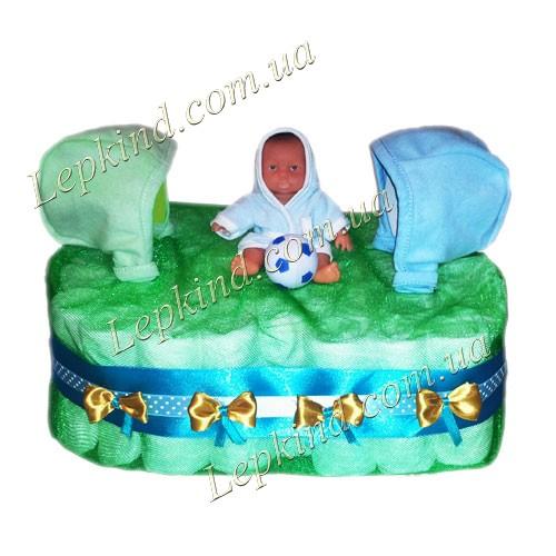 Торт из памперсов для мальчика Футболист