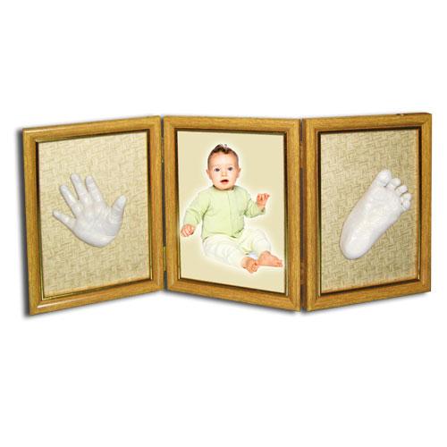 детские слепки в тройной рамке