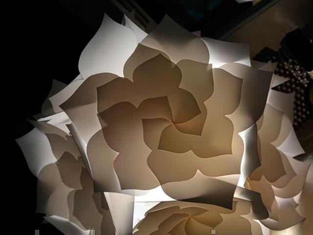 лампа в форме цветка